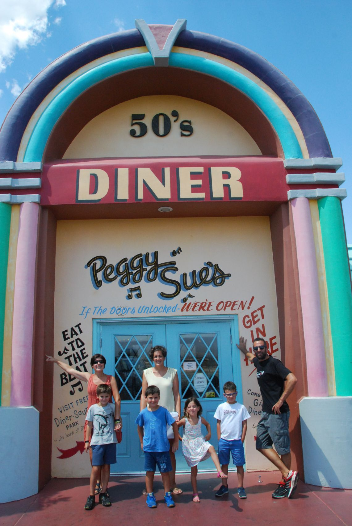 peggy sues 50 dinner yermo